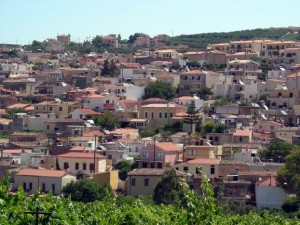 The town of Arxanes sits on a hill above the vineyards