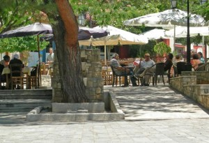 Arxanes platia is always busy with town folks
