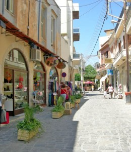 Arkadiou street has examples of modern, Venetian and Ottoman architecture